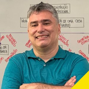 Professor de Matemática da Rede Pública do Rio de Janeiro, vencedor do Prêmio Educador Nota 10 de 2020.
